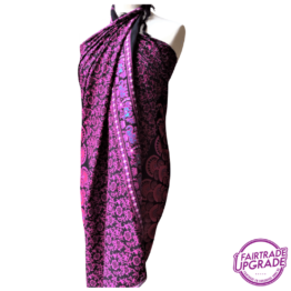 Gebatikte Pareo of Sarong Hippie Chic Pink
